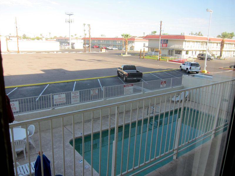 Phoenix motel 6